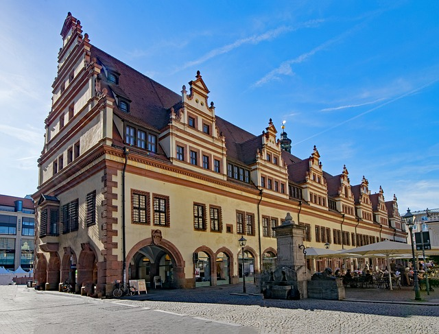 Rathaus in Leipzig  Retrieved from Pixabay - lapping)