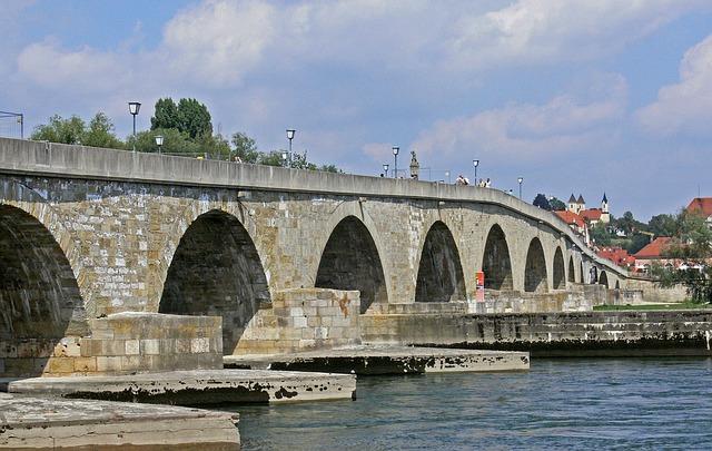 Steinerne Brücke; from pixabay hpgruesen