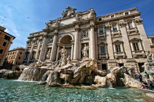 Trevi Brunnen (Retrieved from Pixabay - DomyD)