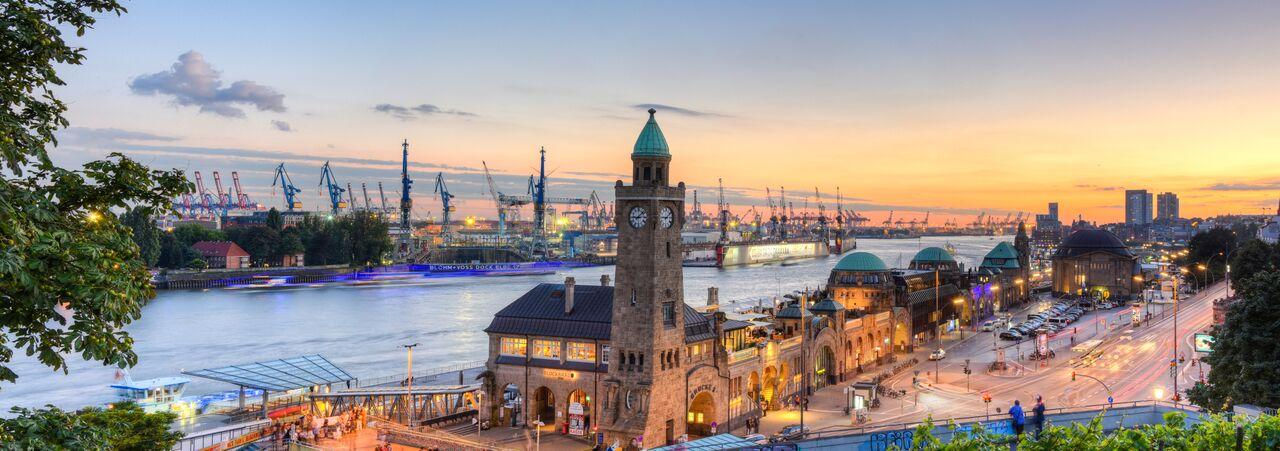 Hambourg_Allemagne_Hamburg Landungsbrücken_118839748_preview