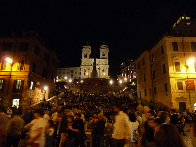 Piazza di Spagna bei Nacht (Retrieved from Flickr -  Lorenzo Blangiardi)