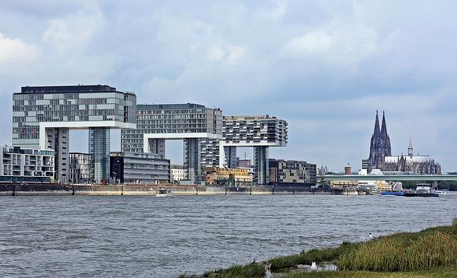 Kranhäuser Köln (Retrieved from Pixabay - pixels2013)