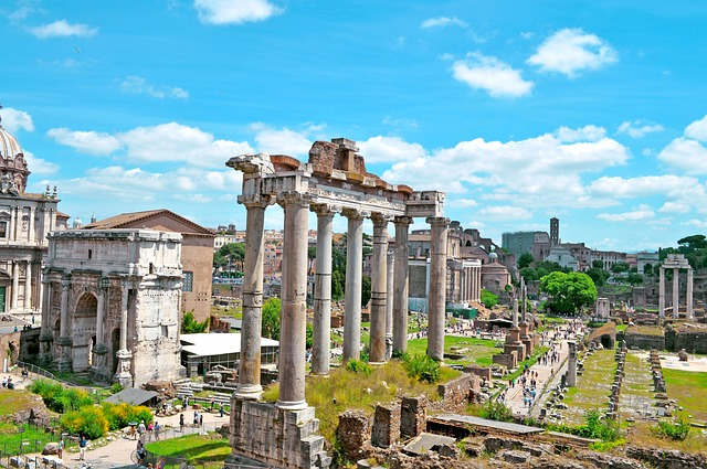 Forum Romanum (Retrieved from Pixabay - xlizziexx)