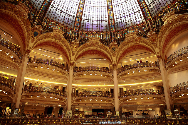 Galeries Lafayettes (Retrieved from Flickr - Christian Bortes)