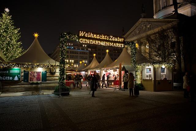 Weihnachtsmarkt Berlin (Retrieved from Pixabay - Ron Porter)