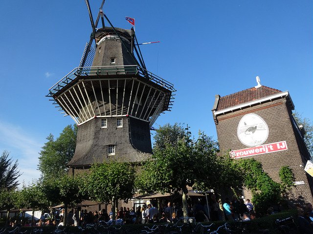 Brouwerij 't IJ (Retrieved from Flickr - amanderson2)