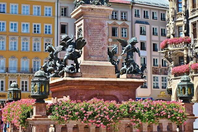 Marienplatz (retrieved from Pixabay - RitaE)