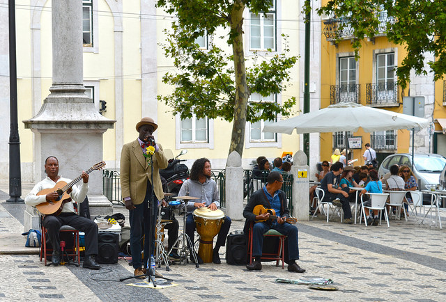 Fado Konzert im Bairro Alto (Retrieved from Flickr - S.Alexander Gilmour)