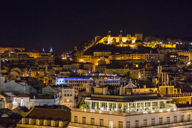 Lissabon bei Nacht (Retrieved from Pixabay - Susanne Nillson)