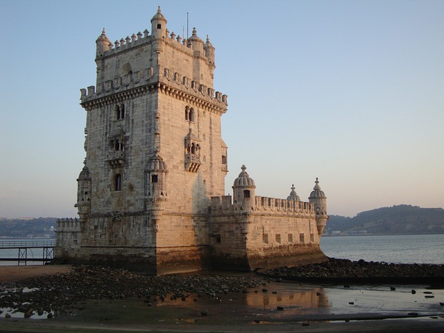 Torre de Belém (Retrieved from Pixabay - joanalealdw0)