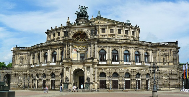 Semperoper (Retrieved from Pixabay - cocoparisienne)