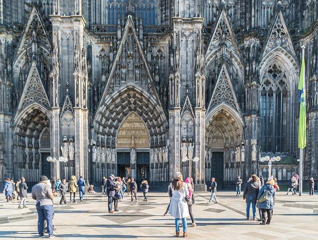 Kölner Dom in der Innenstadt (Retrieved from Pixabay - gustavsommer)