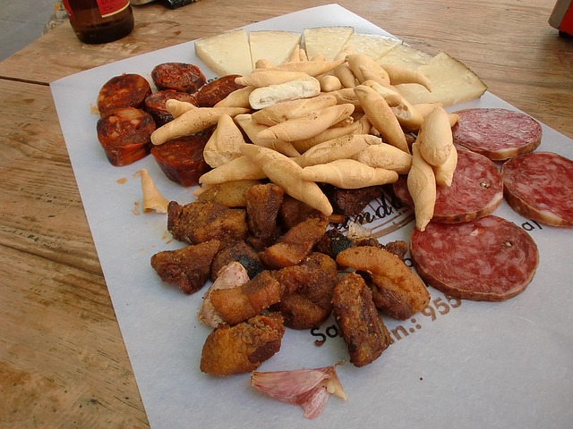 Tapas (retrieved from: pixabay - danigard)