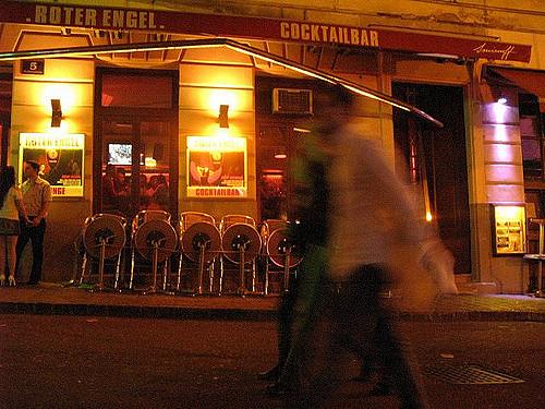 Bar im Bermudadreieck (retrieved from: flickr - chriskone72)