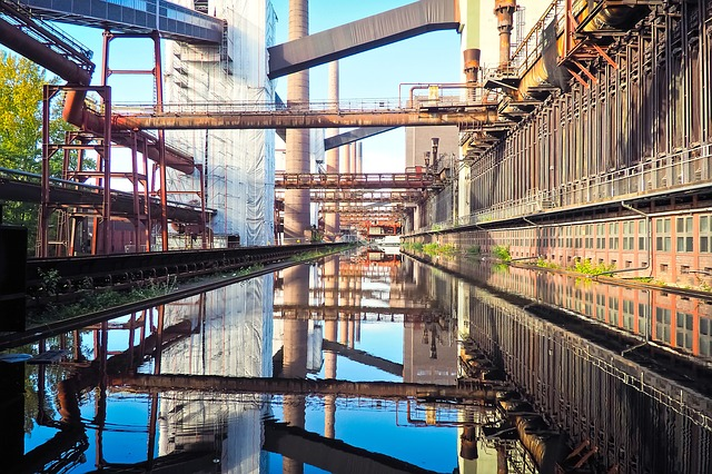 Zeche Zollverein (retrieved from: pixabay - Michael Gaida)