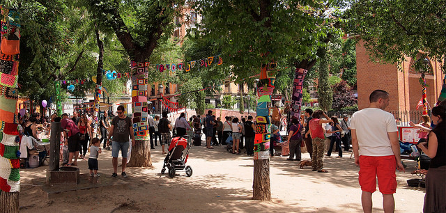 Straßenfest in Malasaña (retrieved from: flickr - Tejiendo Malasaña)