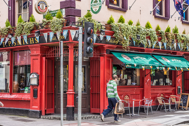 einer von vielen Pubs in Dublin (retrieved from: flickr - William Murphy)