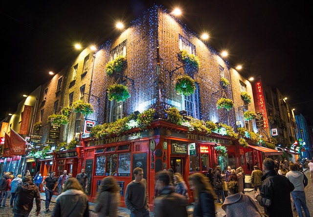Temple Bar (retrieved from: pixabay - Skitterphoto)