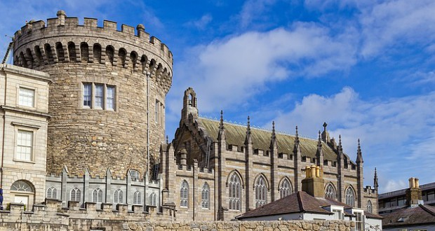 Dublin Burg (retrieved from: pixabay - papagnoc)